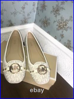 BNWB MICHAEL KORS WOMEN'S FULTON MK LOGO VANILLA PUMPS SIZE UK 6 shoes flats