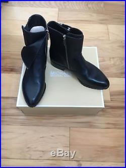 MK MICHAEL Michael Kors Andi Flat Bootie Size 8