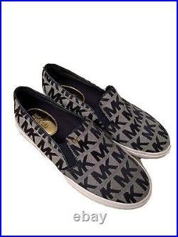 NWOT Navy and White MK Logo Slip On Michael Kors Shoes Size 6.5